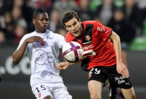 Rennes' French defender Romain Danze (R)